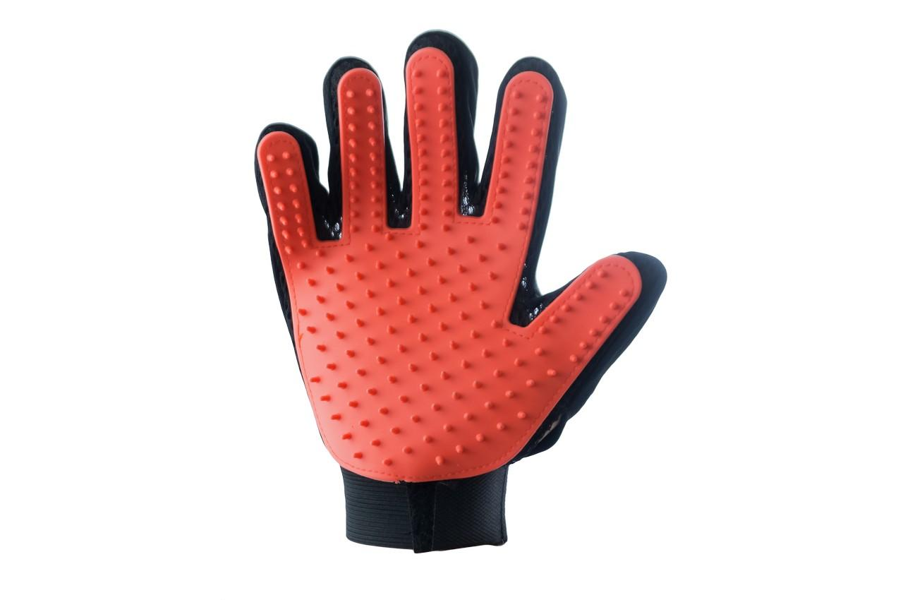 Перчатка для вычесывания шерсти PRC - True Touch на правую руку 1
